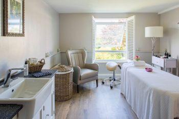 tewkesbury-park-spa-resort-cotswolds-concierge-3