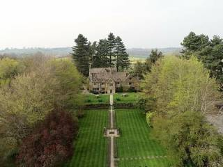 charingworth-manor-hotel-chipping-campden-cotswolds-concierge (6)