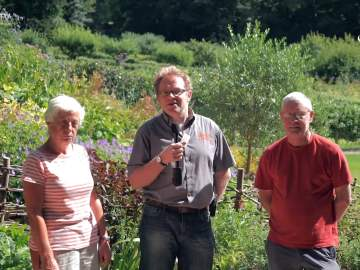 Rococo Gardens Volunteering