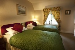 Rose Cottage twin bedroom