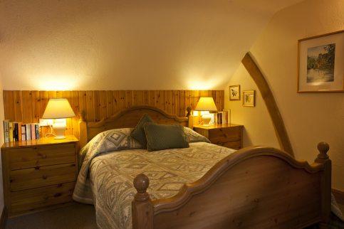 Apple Loft Cottage double bedroom with luxury en-sutie bathroom.