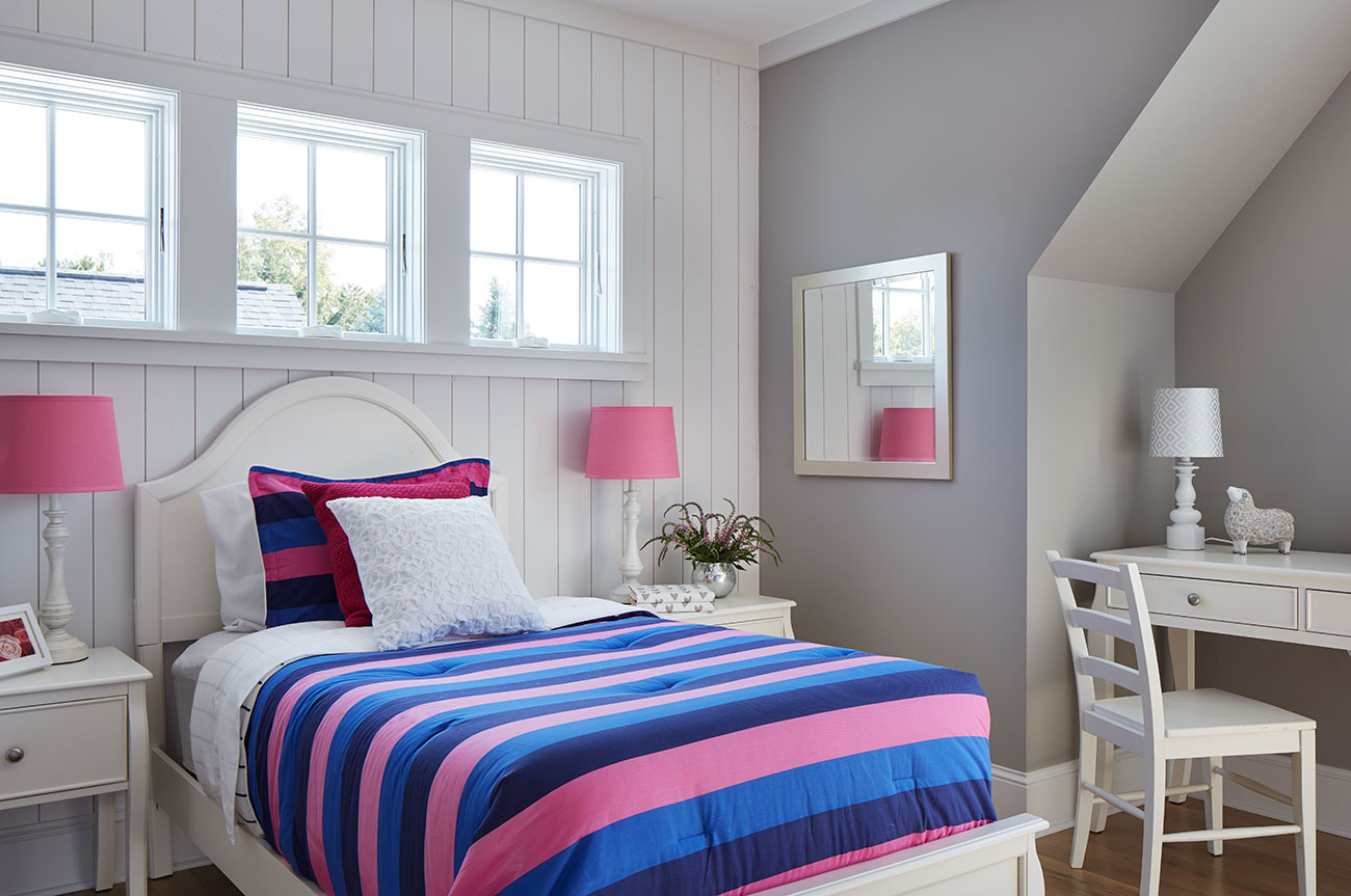 Square Bedroom Windows Cottage Style Decorating Renovating And Entertaining Ideas For Indoors And Out