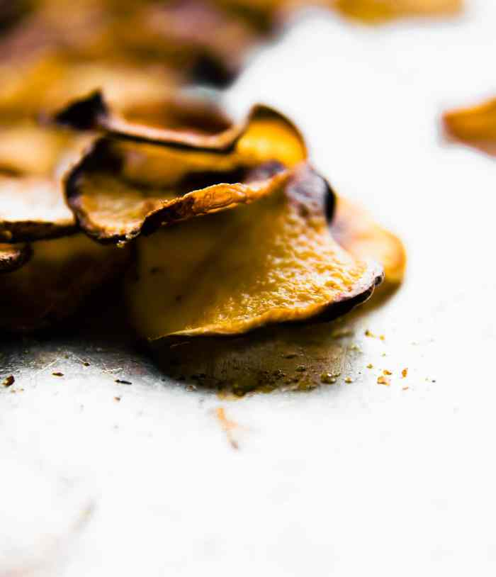 Gluten free BBQ Baked Rutabaga Chips! Healthy flavorful side dish for Summer BBQ's or any time of year! Rutabaga is a root vegetable that's easy to bake and cook with! A great lower carb and paleo option for baked potato chips. #homemade #paleo #veggiechips #vegan #whole30