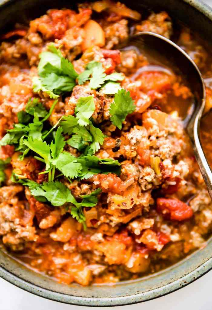 Crock Pot #Paleo Sweet Potato Chipotle Chili! Healthy but hearty, and has a kick of spice! #glutenfree