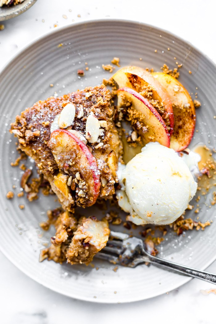 Impossibly Easy Paleo Pear Apple Pie