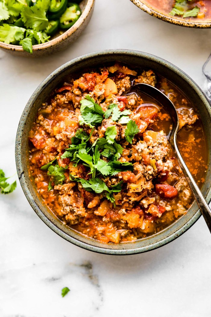 Crock Pot Paleo Sweet Potato Chipotle Chili!Thisbeanless chipotle chili recipe is healthy but hearty, with an extra kick of spice! Made with simpleingredients you probably already have in your fridge! An easy whole 30 and paleo friendly chili made in the crock pot so you can be ready to serve with little effort.
