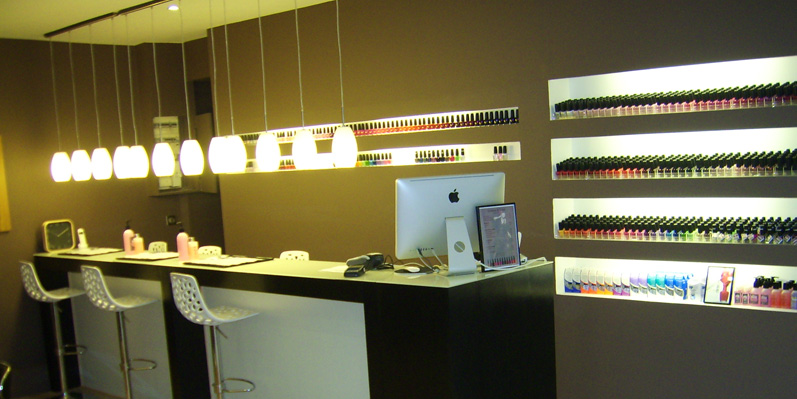 Culture-of-Color-bar-manucure-ongles