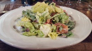 Green salad with bacon and buttermilk dressing