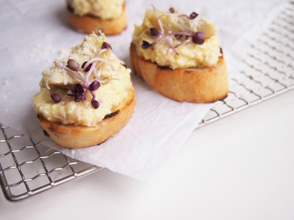 Fingerfood_Parmesan_artischocken_Crostini