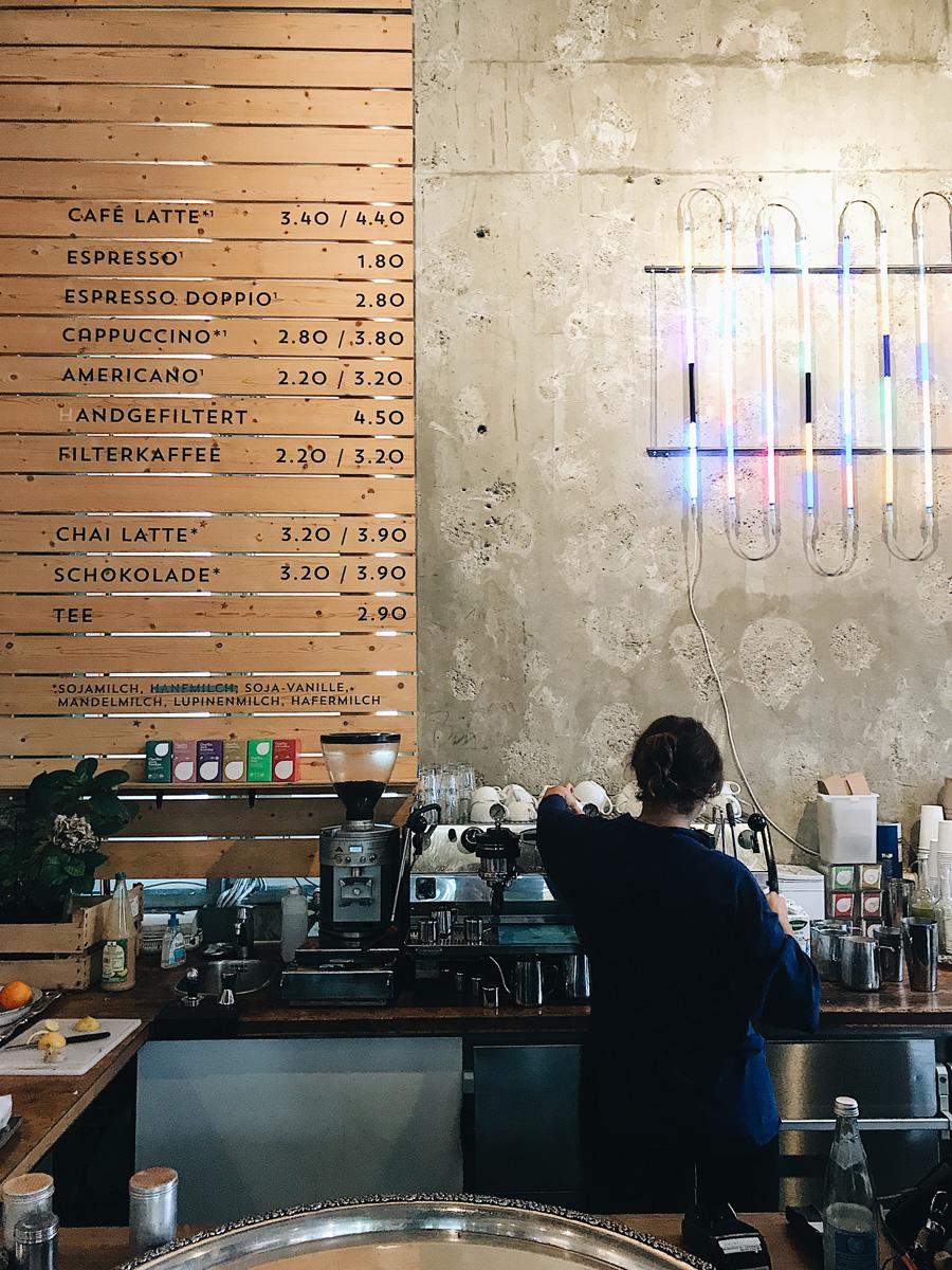 coucoubonheur_gastroguide_muenchen_maxvorstadt_LostWeekend_cafe