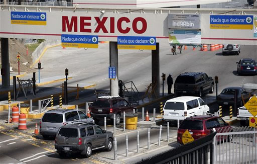 us-mexico-border-crossing