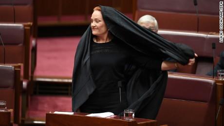 pauline-hanson-burqa