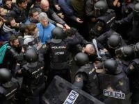 Spain/Catalonia: Savage police violence met with resistance from Catalan people