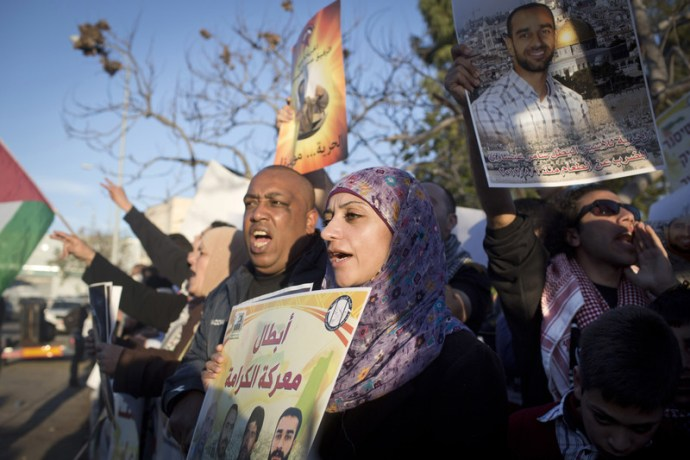 Shireen Issawi during a protest in solidarity with her brother Samer, then on hunger strike, outside Ramle prison in February 2013. Oren Ziv ActiveStills
