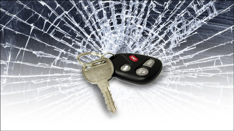 crash-accident-car-keys-shattered-glass