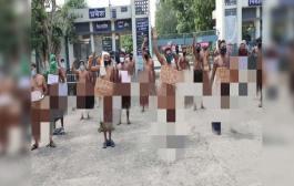 धनबाद /मजदूरों ने एफसीआई गेट के समक्ष गुरुवार को नग्न प्रदर्शन किया