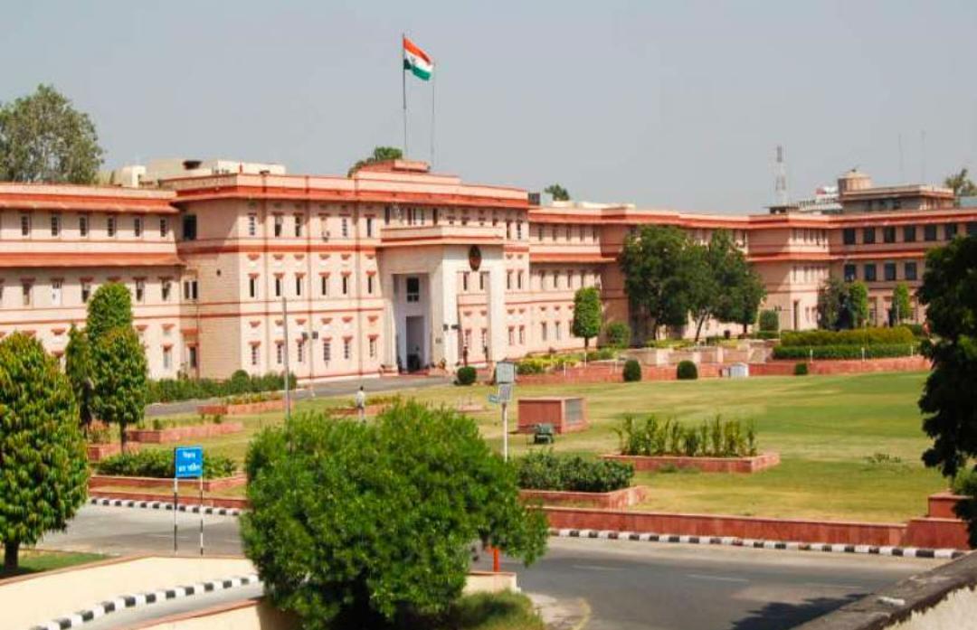 जयपुर /अलवर के लिए सरकार को नहीं मिला कलक्टर