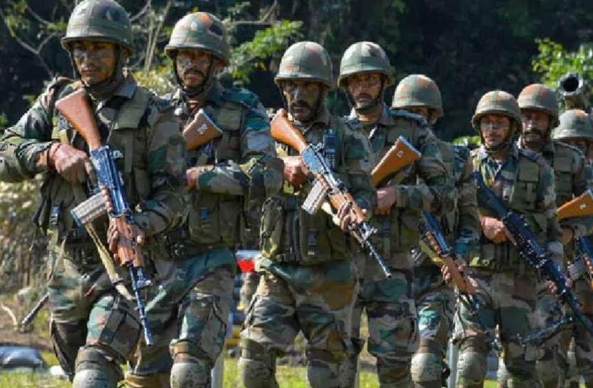 दिल्ली /भारतीय सेना ने पैंगोंग त्सो झील के किनारे फिंगर 4 पर चीनी सेना की स्थिति को देखते हुए ऊंचाइयों पर कब्जा कर लिया,एक दूसरे के सामने खड़ी है सेना