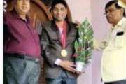 मुज्जफरपुर /बिहार /बेहतर चिकित्सकीय सेवा को लेकर मधुमेह रोग विशेषज्ञ डॉ. संतोष कुमार को मिला गोल्ड मेडल