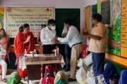 वाराणसी डेस्क /एशियन सहयोगी संस्था इंडिया के तत्वाधान में काशी विद्यापीठ ब्लाक के धनीपुर लोहता ग्राम में कोरोना से प्रभावित 45 परिवारों में राशन एवं हाइजीन किट वितरण का कार्यक्रम किया गया