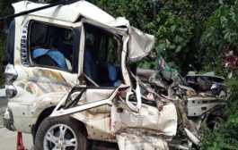 वाराणसी /तेज रफ्तार अनियंत्रित ट्रक की टक्कर से स्कॉर्पियो सवार जौनपुर जिले के जलालपुर थाना अंतर्गत सरकोनी निवासी सूरज (20) एक महिला और एक पुरुष की मौत हो गई