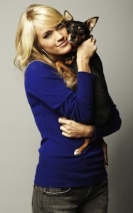 Carrie Underwood helping hounds find homes