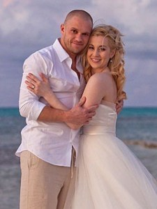 Kellie Pickler and Kyle Jacobs wedding on the beach