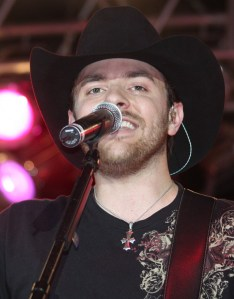 Chris Young makes second overseas trip to entertain U.S. Troops