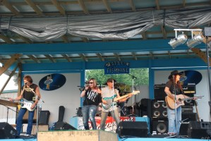 One weekend, three shows in Vienna, West Virginia–Here are Audio Outlaws