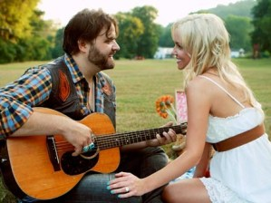 Randy Houser and Jessa Yantz announce engagement