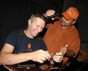 Craig Morgan takes it off for a good cause