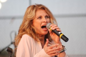 Linda Davis returns to Johnson City to help celebrate July 4 at Freedom  Hall