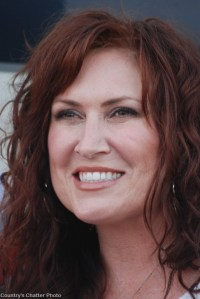 Jo Dee Messina–One GREAT show in Abingdon, Va., with more than one side to this story