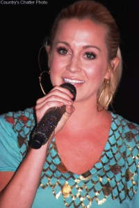 Kellie Pickler's Someone Somewhere Tonight is digitally available