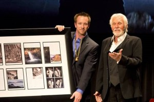 Kenny Rogers Honored By Professional Photographers of America in Phoenix