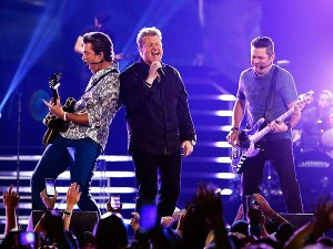 Rascal Flatts begin Rewind Tour 2014 on April 12