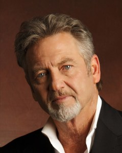 Larry Gatlin to host inaugural Tee 'N' It Up For Troop Aid Golf Tournament