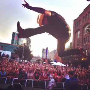 Dustin Lynch new album Where It's At in stores Sept. 9