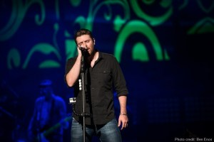 Chris Young announces 2015 A.M. World Tour dates