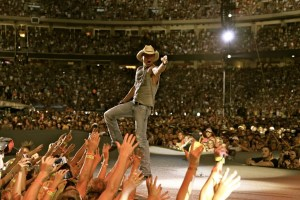 Kenny Chesney takes The Big Revival on the road