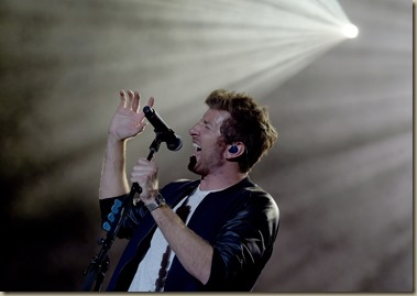 FLORENCE, AZ - APRIL 09:  Singer/Songwriter Brett Eldredge performs at Country Thunder USA - Day 1 on April 9, 2015 in Florence, Arizona.  (Photo by Rick Diamond/Getty Images for Country Thunder USA)