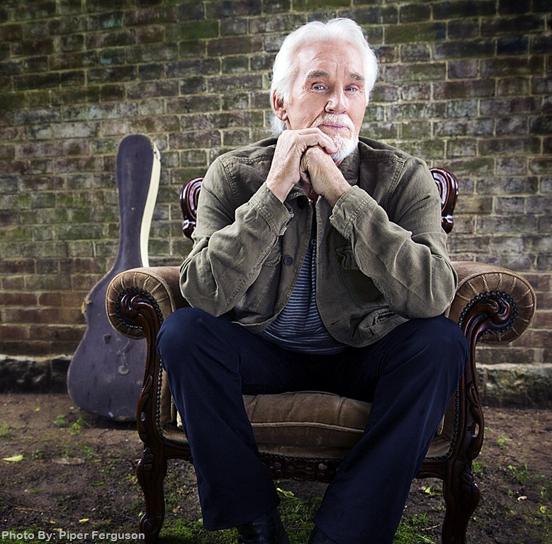 Kenny Rogers to release first new Christmas album in 17 years ...