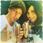 Thompson Square use Facebook and Twitter to let us know–they have a baby on the way!