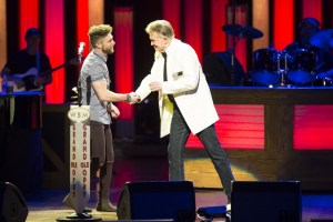 "Chris Lane took ""Fix"" to a new level with Grand Ole Opry debut"