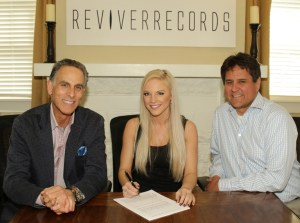 Kayla Adams signs with Reviver Records