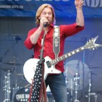 Craig Wayne Boyd lights up the stage at Pepsi Independence Day Fireworks Celebration
