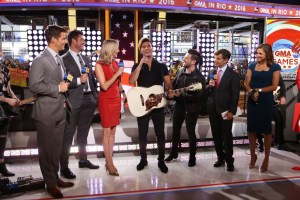 Dan + Shay Perform Powerful Olympics Tribute on Good Morning America