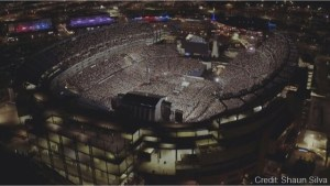 Kenny Chesney Spreads the Love to 121,399 in Boston