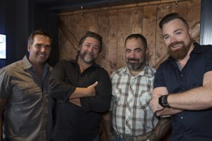 Aaron Lewis Throws Epic Preview Show For Fans And Industry At 12th & Porter