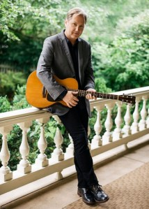 "Steve Wariner Set to Release His 20th Studio Album, ""All Over the Map,"" Oct. 28"